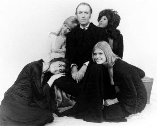 Christopher Lee, Stephanie Beacham, Caroline Munro, Marsha Hunt & Janet Key