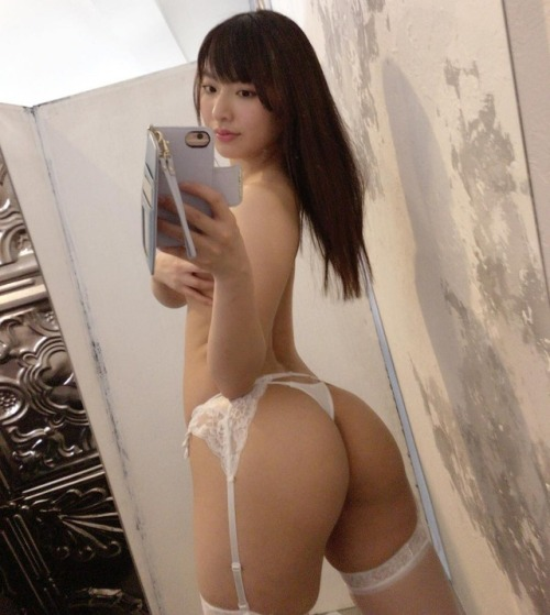 Tempting Hottie asians-sluts69:Japanese bootylicious – Kana Yume. 🍑