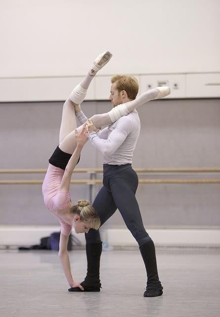 strawberry641:  The Royal Ballet's Sarah Lamb and Steven McRae (Photo Royal Opera House).