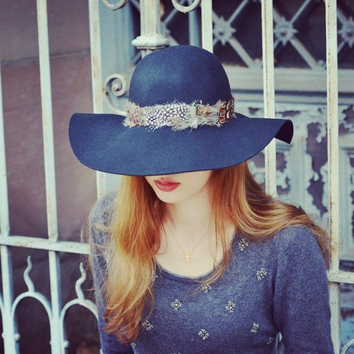 Rocking my new  feather hat today! It's perfect for fall ♡ See it soon on http://www.maxcebycecilej.com!
