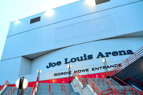 redwingsgirl:  Joe Louis Arena (by manthphoto)