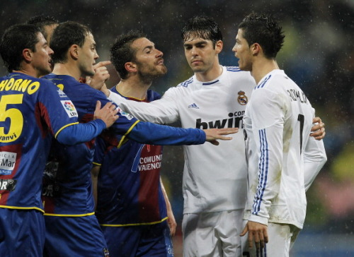 halamadridrm:  Defending his friend…