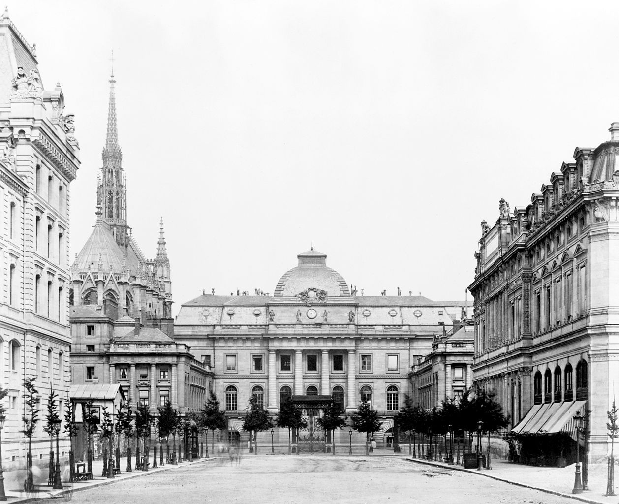 The Palais de Justice and the Sainte Chapelle, Paris