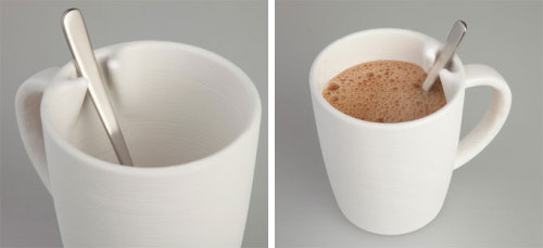 hellocati:  NOTA Coffee Mug by designer Lee Hae Seung Scott prevents user's spoon from sliding in the cup, and thus avoid clangs.via yankodesign