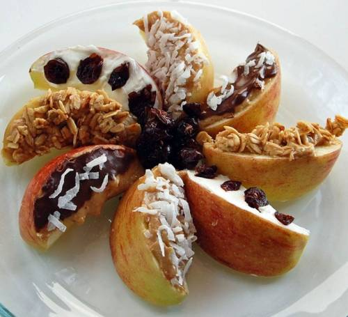 beautifulpicturesofhealthyfood:  Apple wedges with various topings: Granola Chocolate coconut dried cranberries raisins Chopped nuts toasted wheat germ ground flax me
