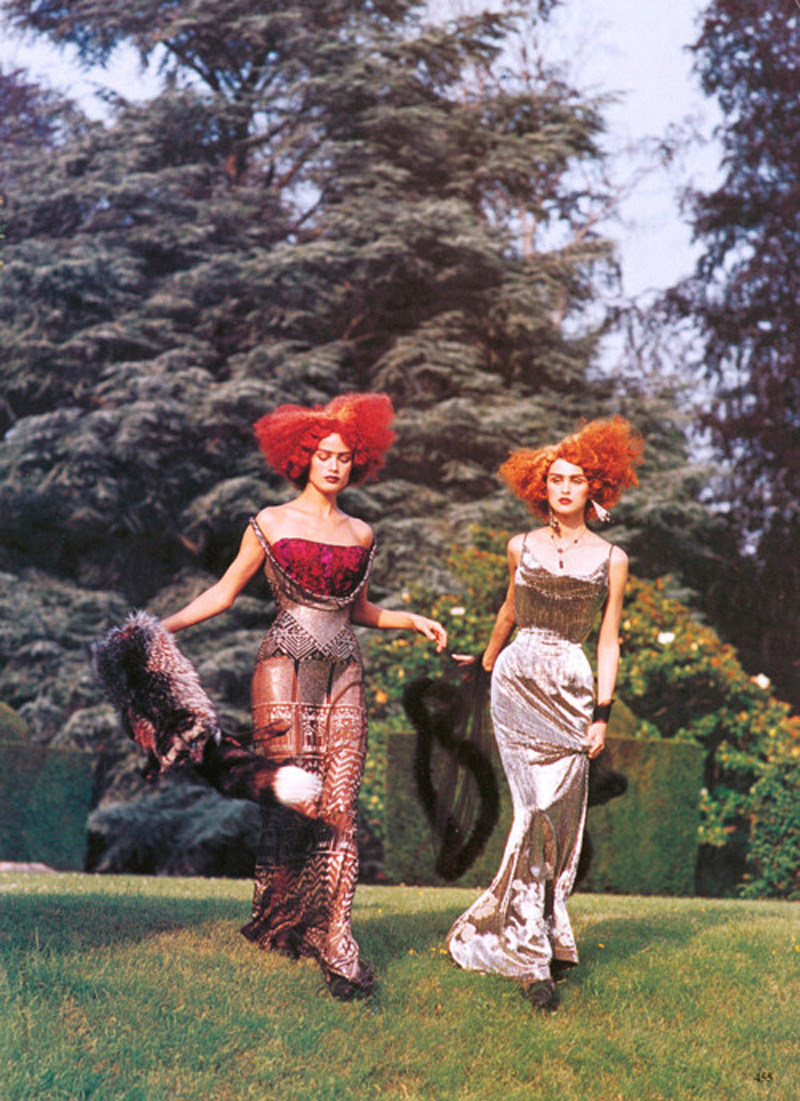 john-galliano-blog:  Carolyn Murphy & Trish Goff by Steven Meisel, Vogue US, circa 1997John Galliano for Christian Dior Fall Winter 1997 Haute Couture