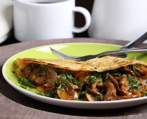veganrecipecollection:  (via Olives for Dinner | Vegan Coconut-Chickpea Crepes with Smoky Herbed Mushrooms)