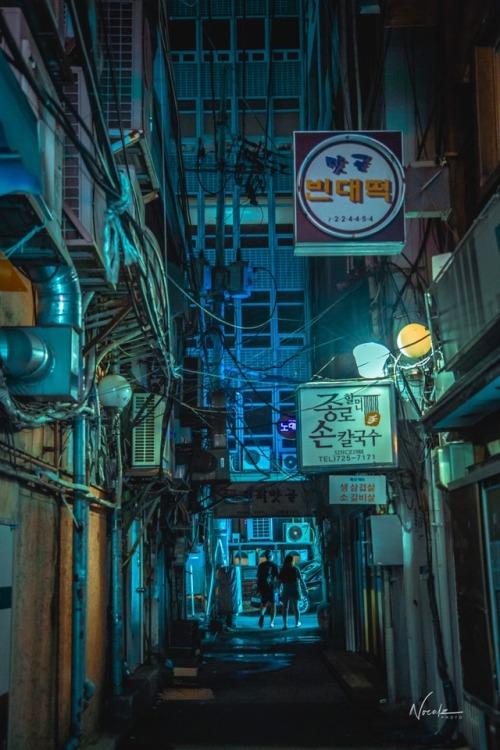 Seoul cyberpunk South Korea scifi bladerunner ghost in the shell neon noir neon lights 서울 Сеул киберпанк Корея ソウル 韓国