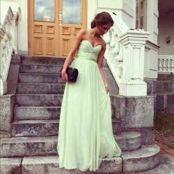 Dress to Impress on We Heart It - http://weheartit.com/entry/53889584/via/tori_26