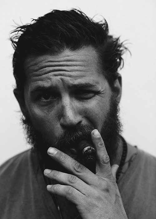 Tom Hardy is the only man that can pull off a lumberjack beard ;)