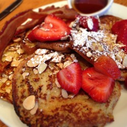 coffee-and-yoga:  Brioche French toast? Don't mind if I do.