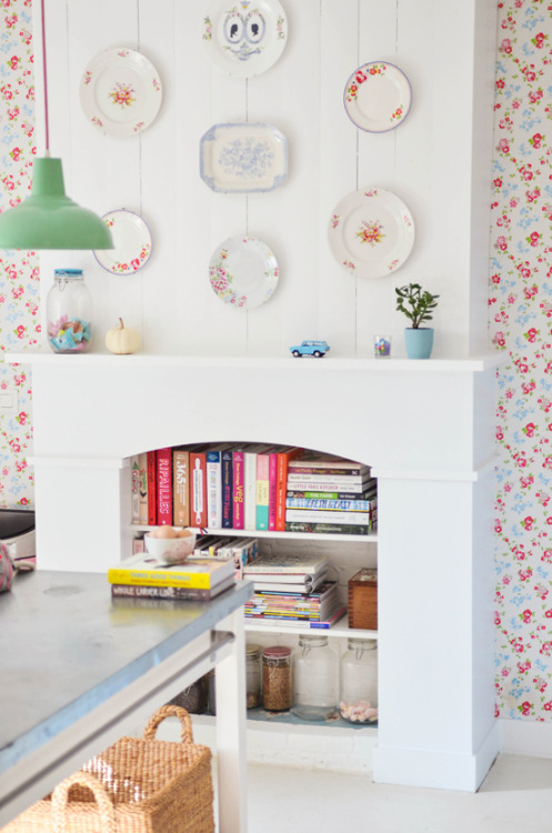 myidealhome:  one of the cutest inspiration ever (via The Yvestown Blog)