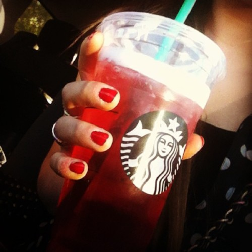 Tazo tea time 😊💕 #instagram #love #starbucks #tazo #tea #passionfruit #delicious #drink