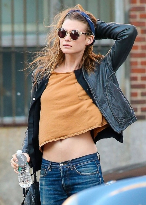 one-street-styles:  delevingnermckagan:  Picture of Behati Prinsloo on We Heart It - http://weheartit.com/entry/59453679/via/DuffUAreMine Hearted from: http://www.listal.com/viewimage/5231628    one-street-styles streetstyle and 1Direction here!