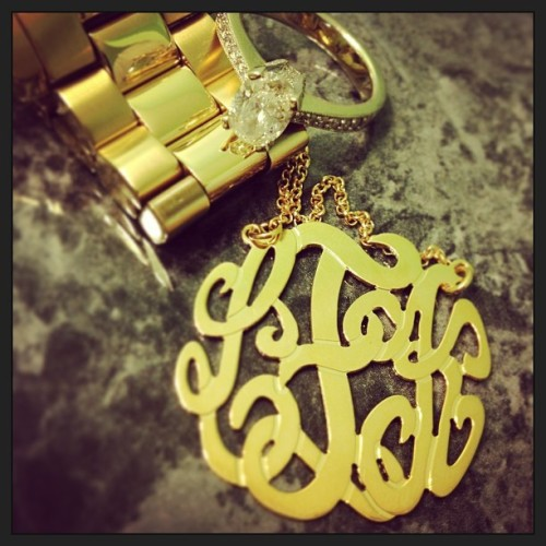 Love this picture @laurenkayf shared of her monogram necklace she got with her new married monogram #personalizedfrommetoyou