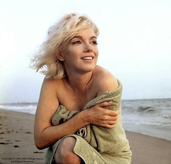 homesickforthestars:  A wonderful photo of Marilyn Monroe on Santa Monica Beach by George Barris, shortly before her death in 1962.
