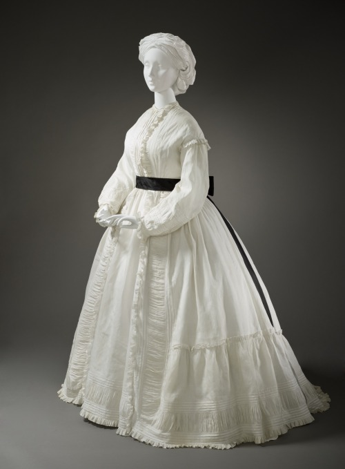 Morning dress ca. 1865 From LACMA
