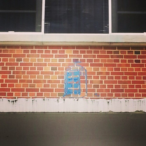 chealsye:   Someone put a tardis on the side of the #FSU library!   !!!