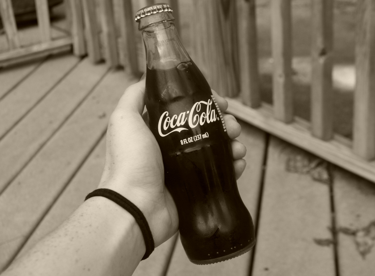 I just love vintage coke bottles <3