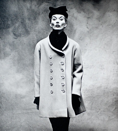 theniftyfifties:  Lisa Fonssagrives-Penn wearing a coat by Balenciaga, Paris, 1950. Photo by Irving Penn.