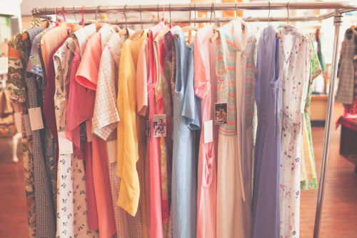 Dresses (by .elsie*cake.)