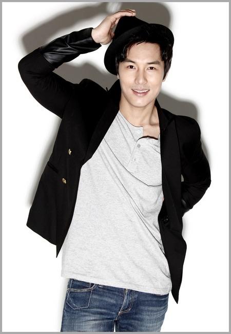 """WAWANCARA] Kim Dongwan: """"Di Dunia Nyata Aku Memilih Choi Yung Joon"""