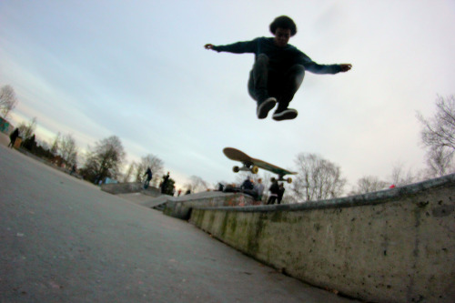 Mikel Johnson Nollie 360 Frontside Pop shuvit