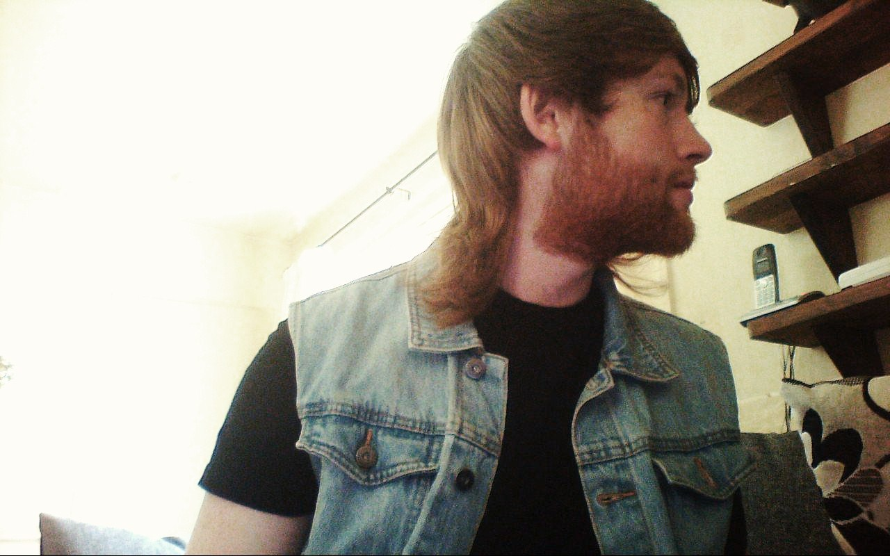 fatmanshane:  Mullet is looking fine today, also, trimmed the beard/stubble, gave it a bit of shape!