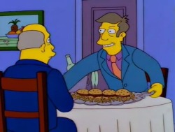 "eyeonspringfield:  ""And you call them steamed hams despite the fact that they are clearly grilled?""    Classic"