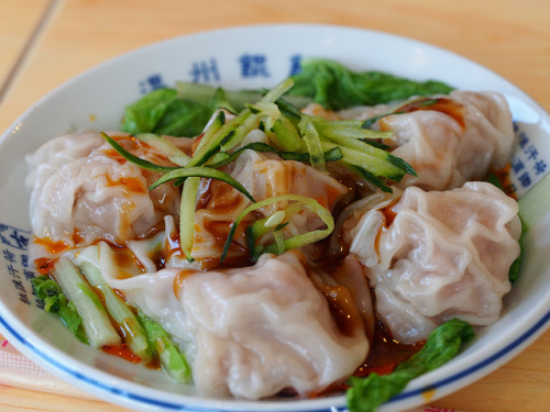 taiwanesefood:  淡水老街 by kuo66912 on Flickr.