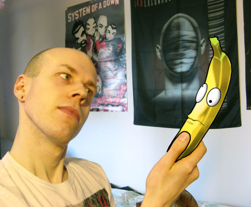 Oh dear… The bananas, they're coming to life!   A little self portrait in the theme of my Härskit hedelmät (Funky Fruits) series :D