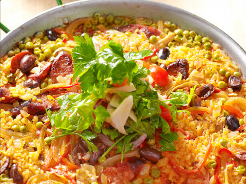 Paella With Chicken, Red Peppers And Green Beans