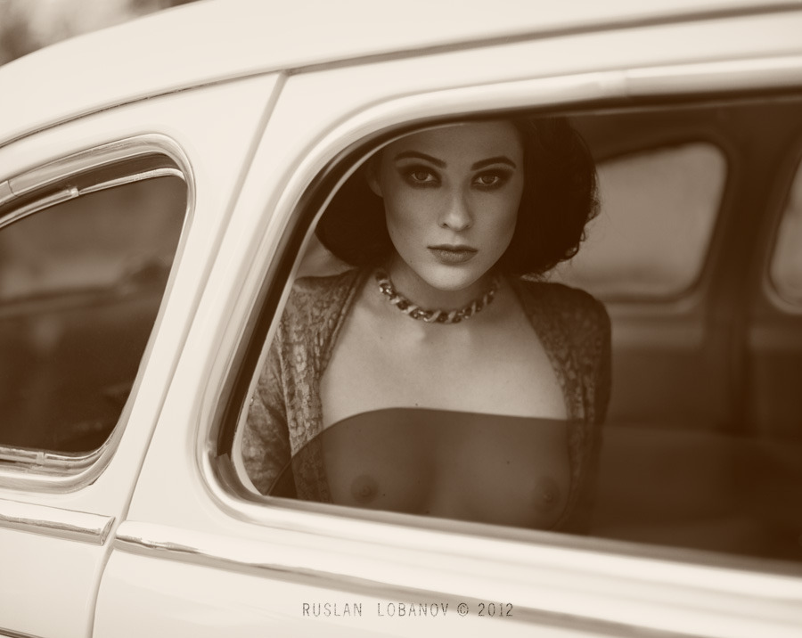 ih-rat-ik:  ruslan lobanov. the tourist.