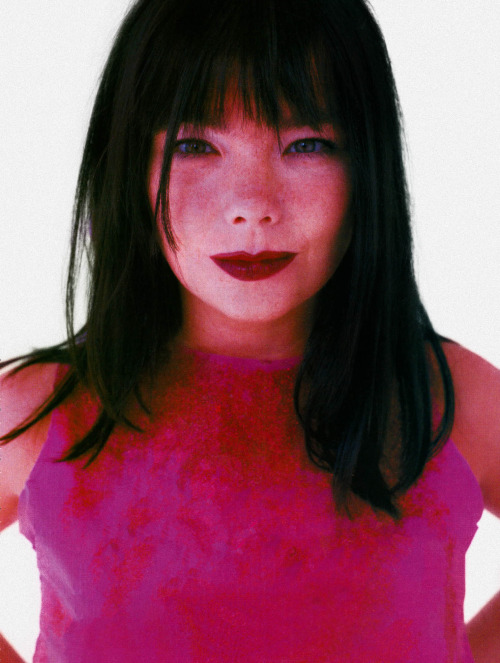spring2000:  björk photographed by martyn thompson (1995)