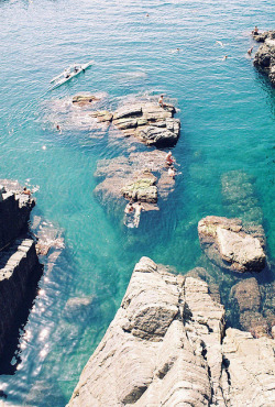 expllosive:  Cinque Terre by Idiot's dream on Flickr.