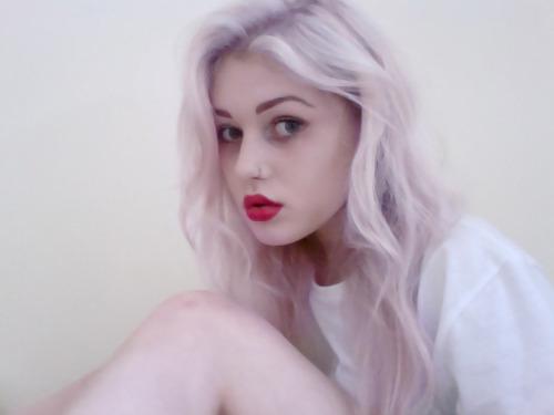 pastel purple pastel purple hair pale red lipstick style stylish pastel goth fashion