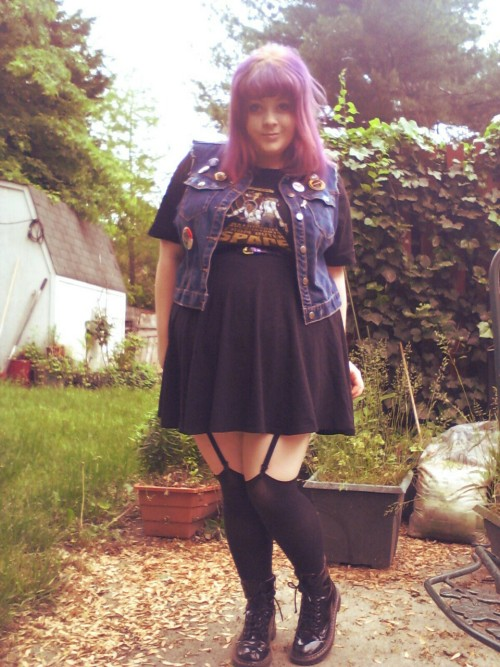"tommilsom:  iamrealindsey:  I call this look ""fat slut wanna be punk astronaut accountant from outer space with thighs the size of the moon"" Please reblog this if you love it to boost my ego.  omg cutie"