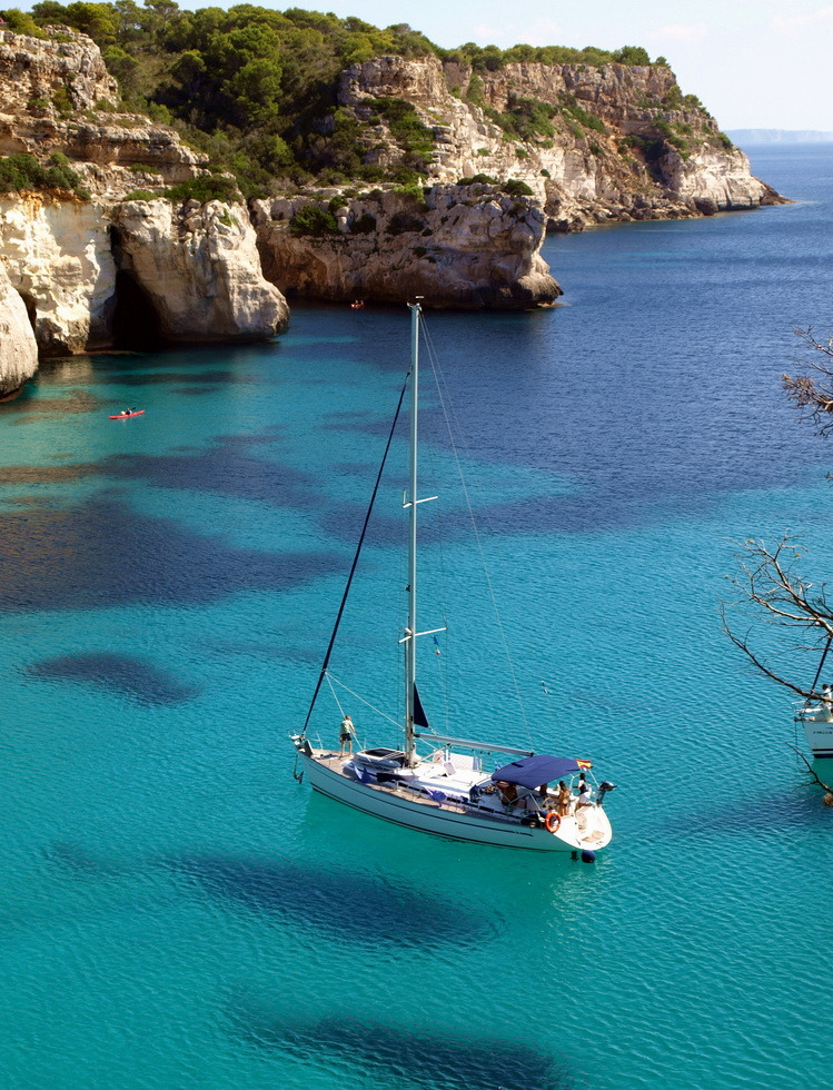 visitheworld:  Beautiful Cala Macarella in Menorca Island, Spain (by F.R.S).