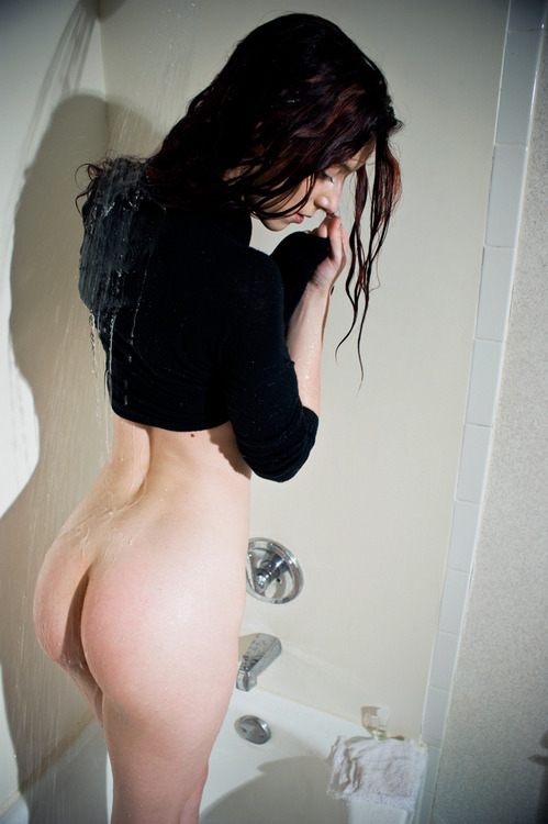 Cam just has a really nice butt, okay?  It is one of my very most favorite butts ever.I ain't gotta justify my reblogs to nobody.