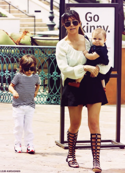 pulpdogbasterd:   Kourtney, Scott, Mason, & Penelope Out And About In Calabasas, CA (April 7th, 2013)   possibly my new favorite kardashian