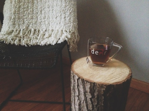 takemetothemtns:Deer new side table, I like your wooden nature