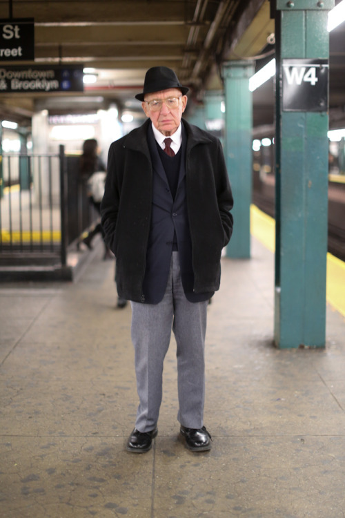 "humansofnewyork:  ""If you could give one piece of advice to a large group of people, what would it be?""""Stay single."""