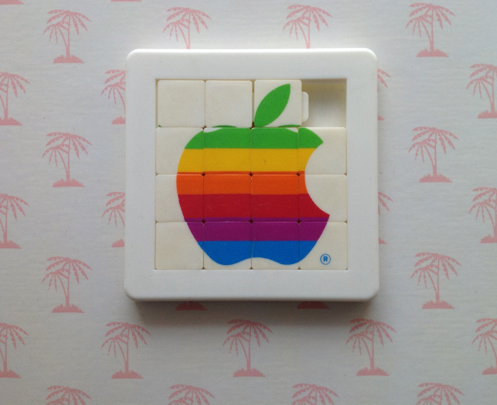 glaspopsuper:  1980s Apple logo puzzle (by ✎☁Iron Lace☁✎)