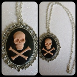 Skull and Crossbones Large Cameo Necklace https://www.etsy.com/shop/CalamityJayneDesigns