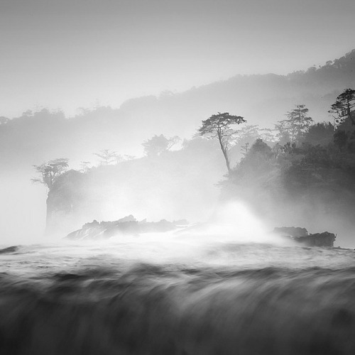 evocates:  South Sea by Hengki Koentjoro on Flickr.