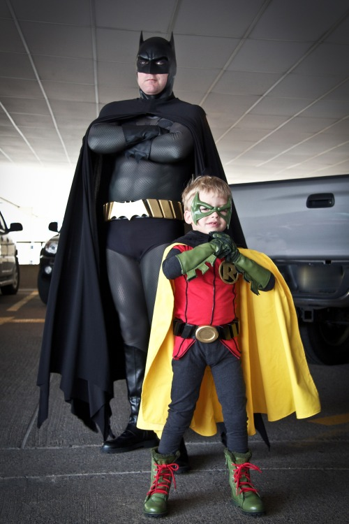 thevolcanoplays:  fucking delightful  BATMAN & ROBIN Cosplay ! :-) My Links (follow me!): Batman / DC Comics / Cosplay