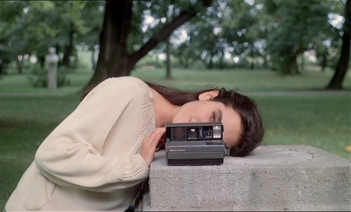 "Jennifer Connelly & Polaroid in ""Etoile"" (1989)"