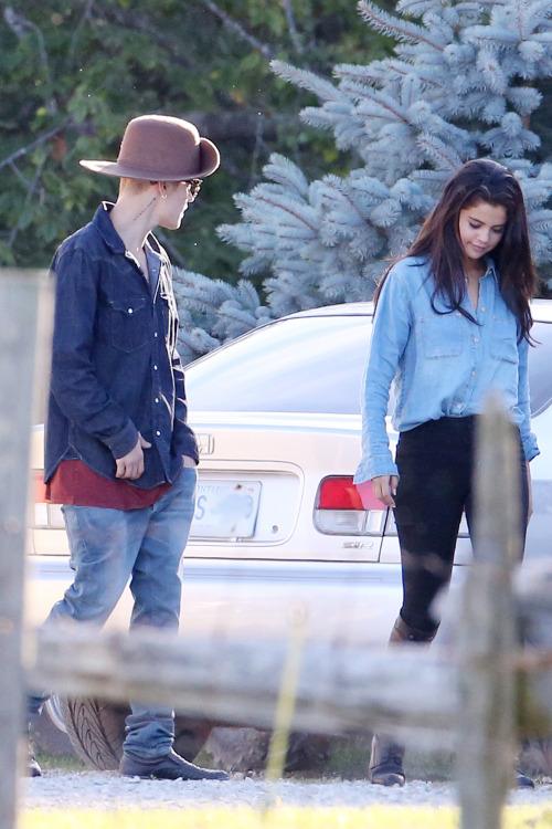 selgomez-news:  August 28: [More] Selena and Justin Bieber horseback riding in Ontario, Canada