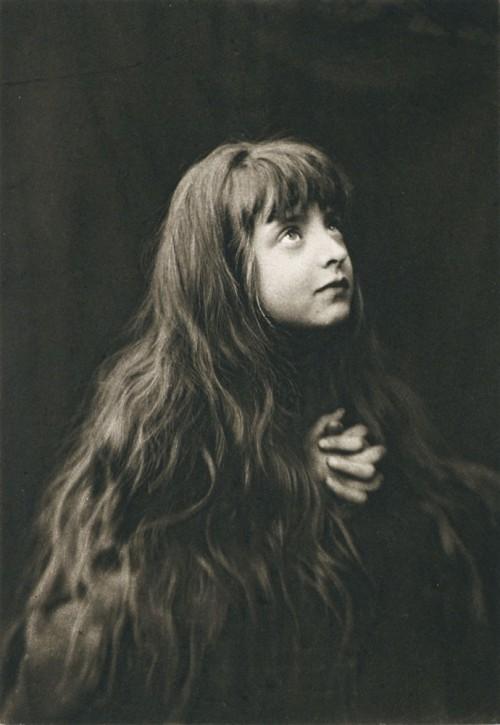 leprincelointain:  Comte D'Assche, La Prière - 1894