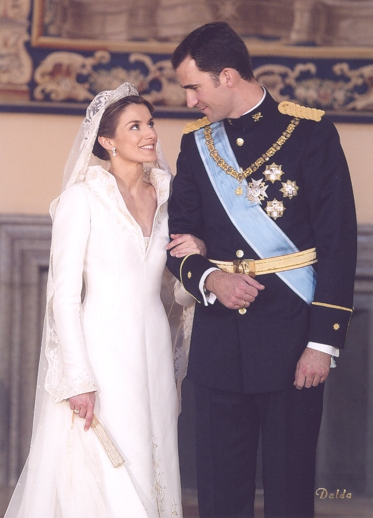 Happy 9th wedding anniversary to Their Royal Highnesses the Prince and Princess of Asturias!